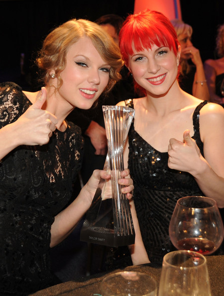 Taylor Swift and Hayley Williams Photos Photos - CMT ...