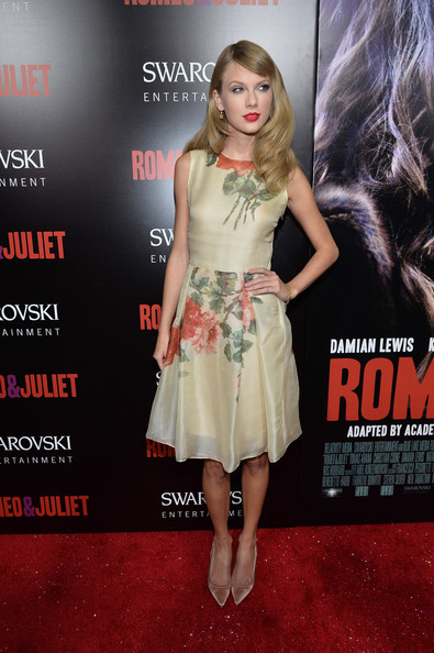 Taylor Swift Taylor Swift Photos Romeo And Juliet Premieres In Hollywood Part 3 Zimbio