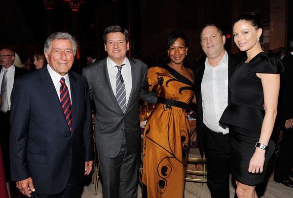 Ted Sarandos and Nicole Avant Photos Photos - Tony Bennett