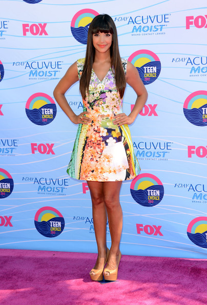 Actress Hannah Simone arrives at the 2012 Teen Choice Awards at Gibson Amphitheatre on July 22, 2012 in Universal City, California.