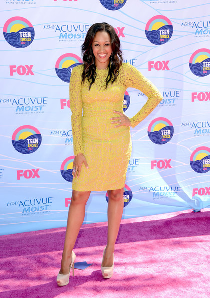 Actress Tia Mowry arrives at the 2012 Teen Choice Awards at Gibson Amphitheatre on July 22, 2012 in Universal City, California.