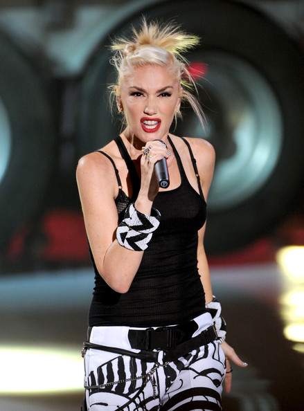 "Singer Gwen Stefani of ""No Doubt"" performs onstage during the 2012 Teen Choice Awards at Gibson Amphitheatre on July 22, 2012 in Universal City, California."