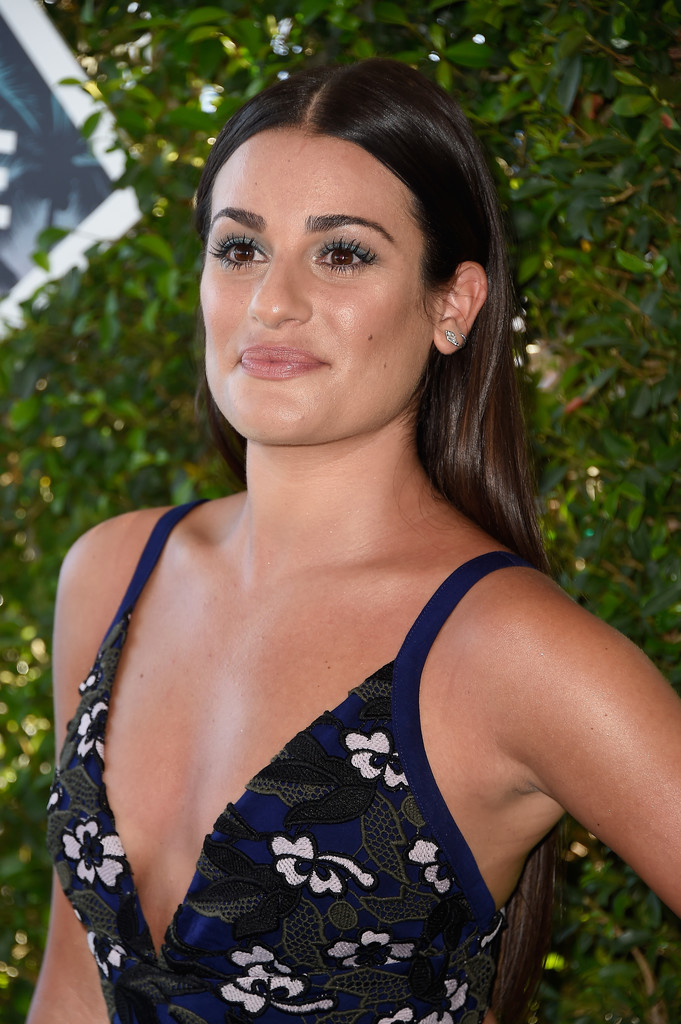 Lea Michele attends the Teen Choice Awards 2016 in Inglewood 7/31/16