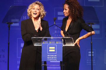 Teri Polo Human Rights Campaign's 2018 Los Angeles Gala Dinner - Show