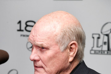 Terry Bradshaw LIFEWTR Art After Dark - Red Carpet Arrivals