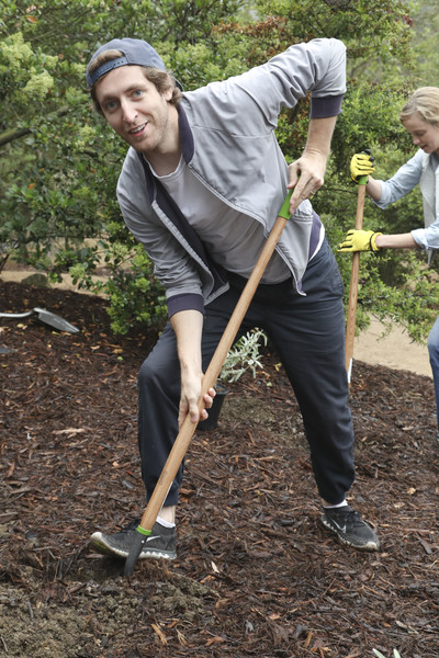 Sierra Club, National Parks Conservation Assoc, and EMA Host a 'Give Back Day' at Franklin Canyon Park
