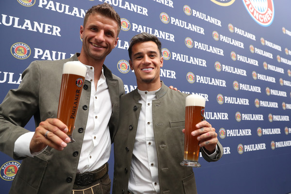 FC Bayern Muenchen And Paulaner Photo Session [event,thomas mueller,philippe coutinho,munich,germany,fc bayern muenchen,paulaner,fgv schmidtle studios,photo session,photo session]
