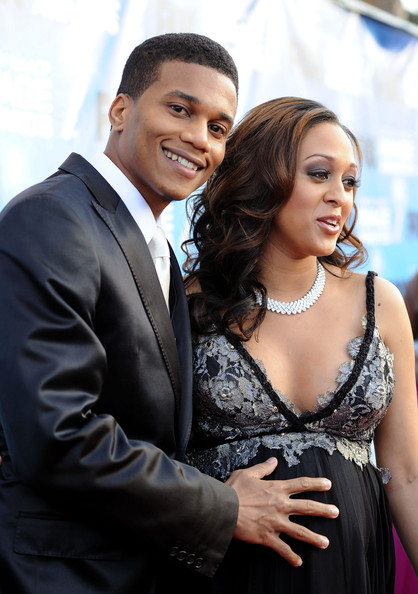 tamera mowry husband. photo tia mowry cory hardrict