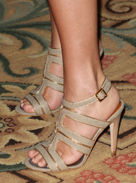 Tiffani amber thiessen toes opinion