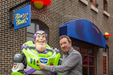 Tim Allen Tim Allen Meets Buzz Lightyear At Walt Disney World Resort