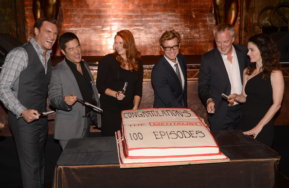 """CBS Celebrates 100 Episodes Of """"The Mentalist"""" - Inside [episodes,the mentalist,event,suit,bruno heller,robin tunney,actors,owain yeoman,cutting,cake,l-r,cbs]"""