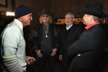 Tim McGraw Big & Rich Celebrate First Ever Back-To-Back Top Ten Hits