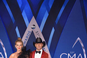 Tim McGraw The 51st Annual CMA Awards - Arrivals