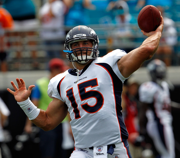 tim tebow quarterback tim tebow 15 of the denver broncos practices. Cars Review. Best American Auto & Cars Review