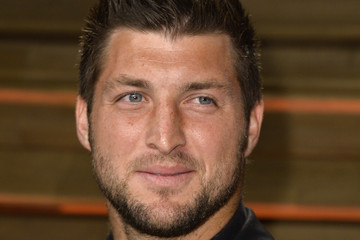 Tim Tebow Stars at the Vanity Fair Oscar Party