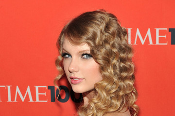Taylor Swift 2010 Pictures, Photos & Images - Zimbio
