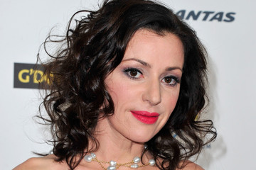 Tina Arena earned a  million dollar salary - leaving the net worth at 10 million in 2018