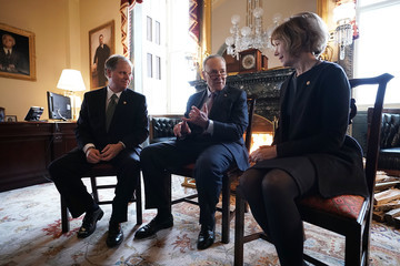 Tina Smith Chuck Schumer Meets With New Democratic Senators Doug Jones And Tina Smith