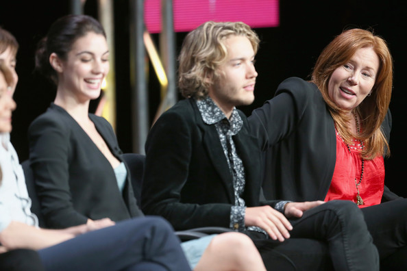 Toby Regbo Biography - Affair Single Ethnicity Nationality Height