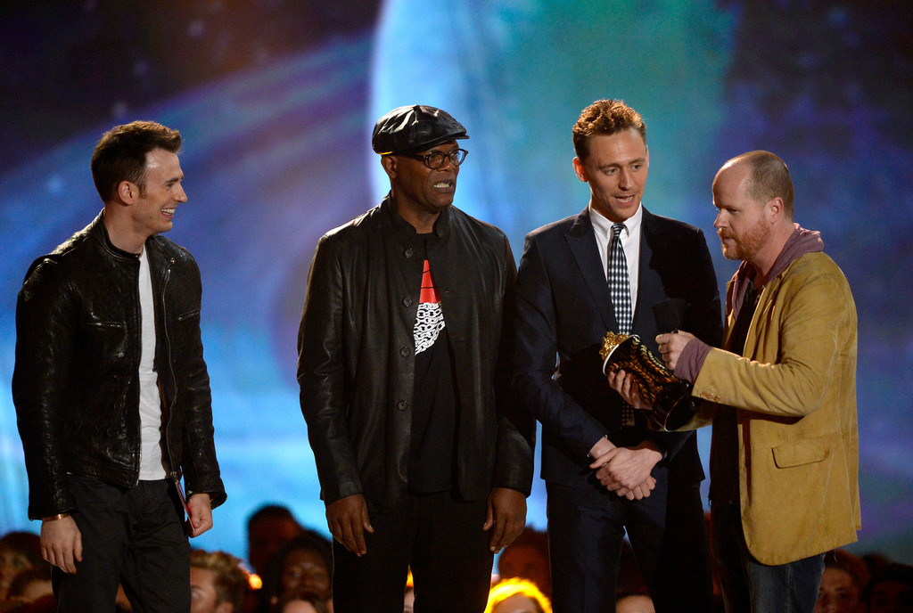 http://www1.pictures.zimbio.com/gi/Tom+Hiddleston+2013+MTV+Movie+Awards+Show+iBOaKWDJcHcx.jpg