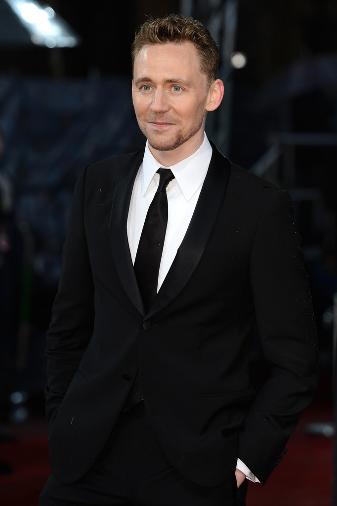 http://www1.pictures.zimbio.com/gi/Tom+Hiddleston+EE+British+Academy+Film+Awards+0tOTjVKXwAOx.jpg