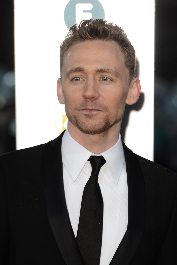 http://www1.pictures.zimbio.com/gi/Tom+Hiddleston+EE+British+Academy+Film+Awards+Efy9FZqYEurx.jpg