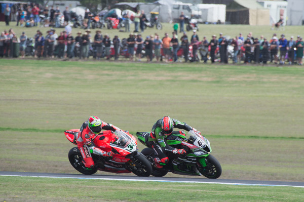 World Superbike Championship Round One - Qualifying And Race 1 []