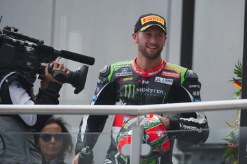 Tom Sykes FIM Superbike World Championship - Race 1