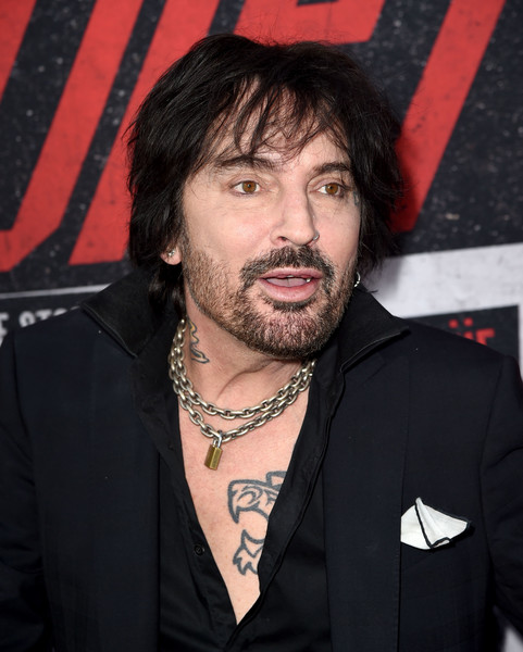 Tommy Lee Photos Photos Premiere Of Netflix S The Dirt
