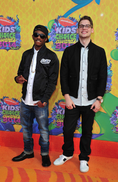 tony oller and malcolm kelley photos photos nickelodeon