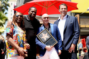 Tony Robbins Pitbull Is Honored With a Star on the Hollywood Walk of Fame