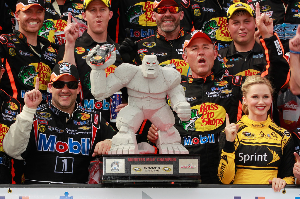 Tony Stewart and Crew do the Victory Lane Hat Dance