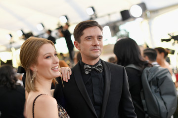Topher Grace Ashley Hinshaw 25th Annual Screen Actors Guild Awards - Red Carpet