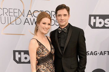 Topher Grace Ashley Hinshaw 25th Annual Screen Actors Guild Awards - Arrivals