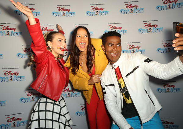 Disney On Ice Presents Mickey's Search Party Holiday Celebrity Skating Event [youth,event,fun,photography,gesture,smile,los angeles,california,staples center,disney on ice presents mickeys search party holiday celebrity skating event,alex allen,isabella newhuis,dania ramrirez]
