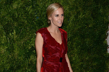 Tory Burch The Ninth Annual CFDA/Vogue Fashion Fund Awards - Inside Arrivals