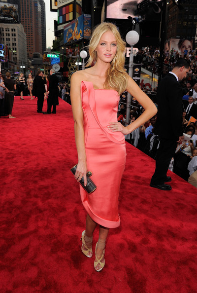 "Model Erin Heatherton attends the ""Transformers: Dark Side Of The Moon"" premiere in Times Square on June 28, 2011 in New York City."