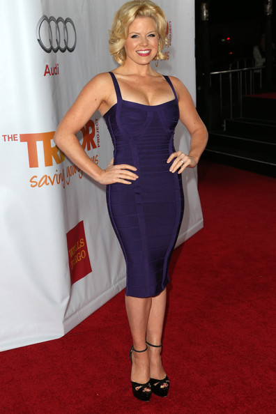Megan Hilty went for a bombshell look in a cleavage-baring Herve Leger bandage dress during TrevorLIVE.