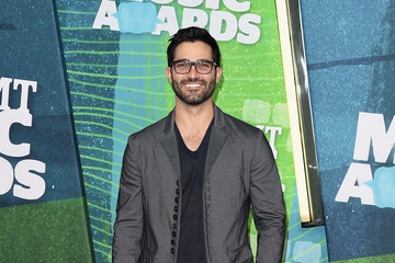 Tyler Hoechlin 2015 CMT Music Awards - Arrivals