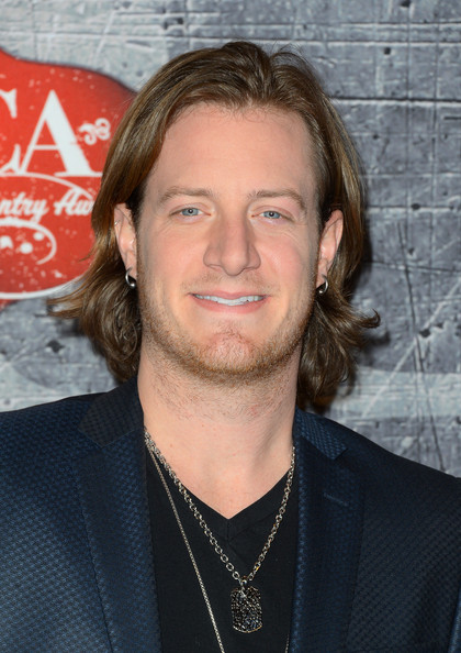 The 30-year old son of father Roy Wayne Hubbard and mother Amy Hubbard , 176 cm tall Tyler Hubbard in 2017 photo