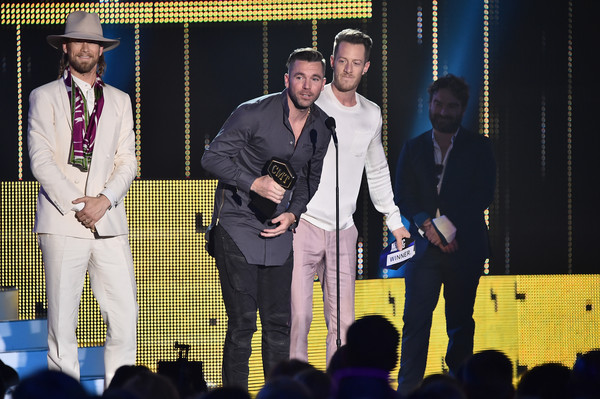 2017 CMT Music Awards - Show