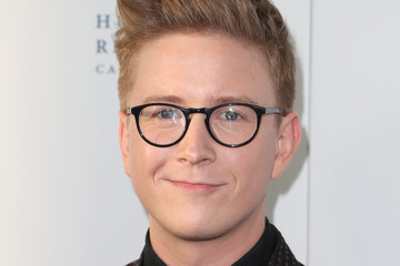 Tyler Oakley Human Rights Campaign's 2017 Los Angeles Gala Dinner - Arrivals