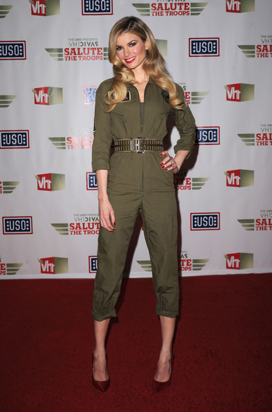 """The USO Presents """"VH1 Divas Salute The Troops"""" - Media Room"""