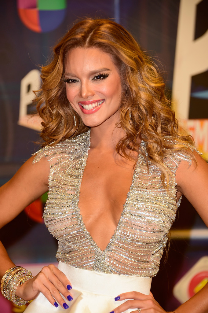 Zuleyka Rivera Nude Photos 75