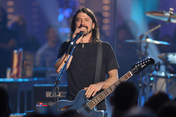 Musician Dave Grohl of the Foo Fighters performs on VH1 Storytellers on
