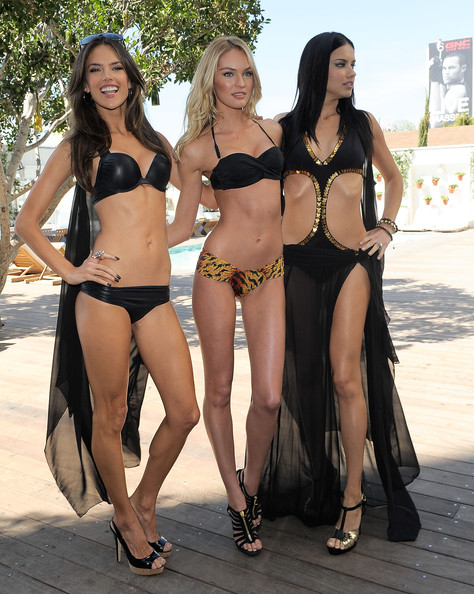 http://www1.pictures.zimbio.com/gi/VS+Angels+Celebrate+2011+Victoria+Secret+SWIM+UyJ-_FX0H-zl.jpg