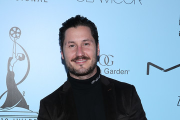 Val Chmerkovskiy 2018 Make-Up Artists And Hair Stylists Guild Awards - Arrivals