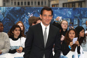 Clive Owen Photos Photo