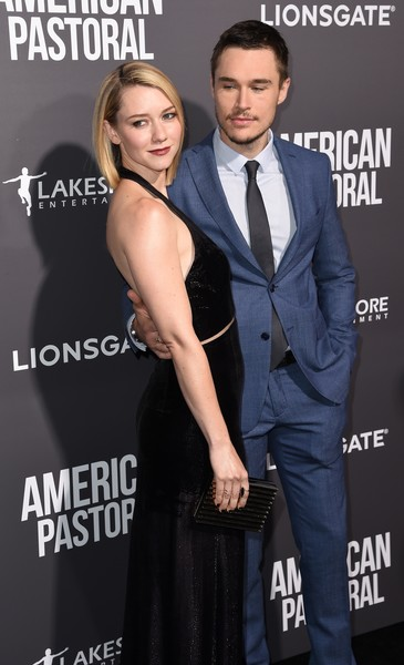 Valorie Curry and Sam Underwood Photos - 1 of 29