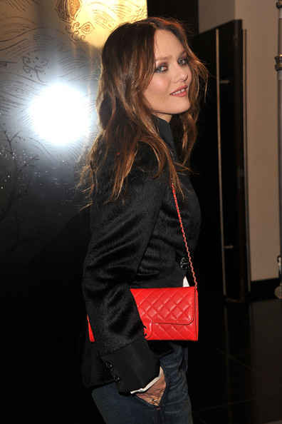 Vanessa Paradis Vanessa Paradis arrives at the Chanel show as part of the Paris Haute Couture Fashion Week Spring/Summer 2011 at Pavillon Cambon Capucines on January 25, 2011 in Paris, France.